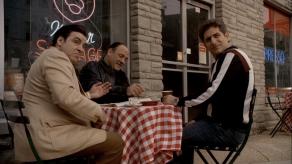 "Tony Soprano, Silvio et Christopher dans la série ""The Sopranos"""